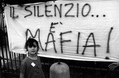 """Falcone e Borsellino (Lotta contro la mafia: una mostra e un ciclo di lezioni... segui il link su """"Corriere.it"""" -> http://roma.corriere.it/gallery/roma/05-2012/mafia/1/lotta-contro-mafia-mostra-ciclo-lezioni_bb70387e-a355-11e1-a356-c1214eb8d3f7.shtml#.T7tjtr9COOg.twitter)"""