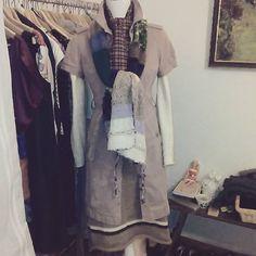 Tagesdress: Strickrock und Merinopulli, Schals von elbfeeberlin, Kleid Burberry. Today's outfit: Knitted skirt (merinowool) and merinojumper, scarfs by elbfeeberlin, dress elbfeeberlin. #elbfeeberlin #Berlin #berlinfashion #designer #fashiondesigner #fashionista #knittersofinstagram #knittingaddict #fashiondiary #outfitoftheday #ootd #bestoftheday