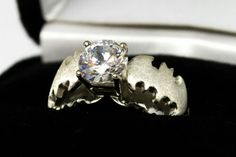 Batman diamond wedding ring. Dear future husband PLEASE GET ME THIS!!!