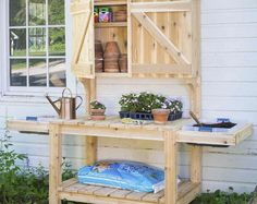 Gardeners will dig these DIY potting bench plans for increasing their outdoor garden storage. Do-it-yourselfers can build the potting bench only, or keep hammering and finish it with a garden storage cabinet.data-pin-do= Potting Bench With Sink, Pallet Potting Bench, Potting Tables, Station D'empotage, Potting Station, Furniture Top View, Fairy Furniture, Garden Storage Cabinet, Bench Storage