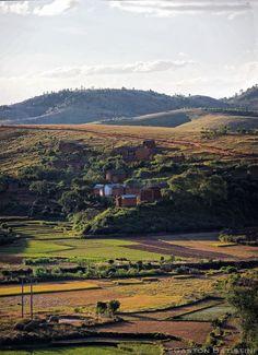 https://flic.kr/p/tqiNAJ | Between Mondorava & Antsirabe, madagascar Island