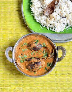 Biryani brinjal gravy,biryani kathirikai curry recipe,side dish for biryani Vegetarian Curry, Vegetarian Recipes, Cooking Recipes, Veg Dishes, Side Dishes, Indian Pickle Recipe, Veg Biryani, Biryani Recipe, South Indian Food
