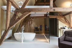 La Suite Sans Cravate by Véronique Bogaert | HomeDSGN, a daily source for inspiration and fresh ideas on interior design and home decoration.