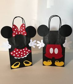 Mickey Mouse Party Decoration Ideas New Minnie Mouse Birthday Party Favor Bags Mickey Mouse Party Decorations, Mickey Mouse Parties, Mickey Party, Mickey Mouse Clubhouse, Disney Parties, Mickey E Minie, Fiesta Mickey Mouse, Mickey Mouse Crafts, Mickey Mouse Shorts