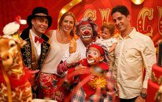 Uma decoração de festa Circo retrô superfofa, com animaizinhos do picadeiro e a trupe toda reunida em personagens vivos para a animação! Vem ver!