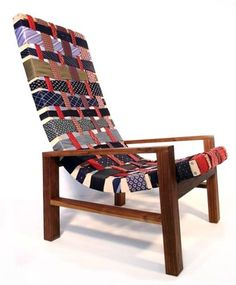 Dishfunctional Designs: Tie One On! Upcycled and Repurposed Neckties -- woven chair backing Upholstered Furniture, Diy Furniture, Chair Upholstery, Chair Cushions, Vintage Furniture, Diy Design, Old Ties, Recycling, Woven Chair