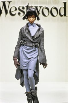 Andreas Kronthaler for Vivienne Westwood Fall 1994 Ready-to-Wear Fashion Show - Naomi Campbell (Marilyn)