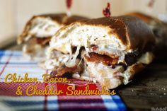 Chicken Recipes : Chicken, Bacon, and Cheddar Sandwiches