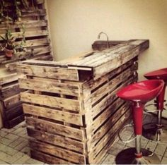 Very cool outdoor pallet kitchen.