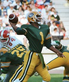 Warren Moon in the CFL after Racism kept him undrafted! 421700ec5