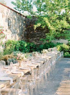 Charming Italian villa wedding table decor: http://www.stylemepretty.com/2017/02/15/a-charming-italian-villa-meets-a-rainbow-of-pastel/ Photography: Branco Prata - http://www.brancoprata.com/