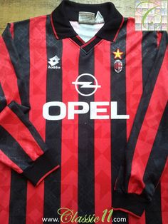 Relive AC Milan's 1995/1996 season with this vintage Lotto home long sleeve football shirt.