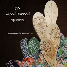 DIY wood-burned spoons. Easy gift idea. #woodenspoons