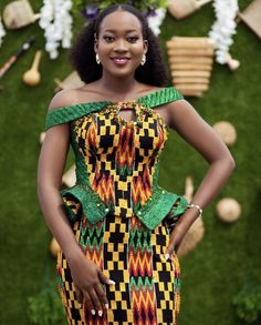 50 Pictures Of The Latest Ghana Kente & Ankara Styles in 2017 Latest African Fashion Dresses, African Print Dresses, African Print Fashion, African Dress, African Wedding Attire, African Attire, African Outfits, African Traditional Wedding Dress, Kente Dress