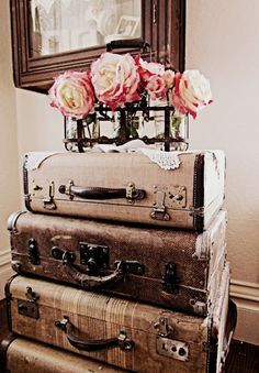 lovely old suitcases. I wish I had a guest bedroom so I could do this.