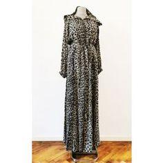 Rochie animal print, cu gluga si maneca lunga, accesorizata cu fermoar median. Dresses, Fashion, Vestidos, Moda, Fasion, Dress, Gowns, Trendy Fashion, Clothes