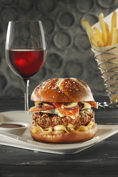 Prime BurgerHouse's Drunken Bull Burger is in the Final Four of Downtown Madness. Foodies, pull for your favorite Final Four fare in Elgin. Round 3 voting begins Friday, March 23 at Noon at www.DowntownElgin.com.