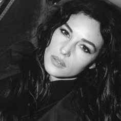 Monica Bellucci Young, Monica Bellucci Photo, Monica Belluci, Beautiful Person, Most Beautiful Women, Libra, Phoebe Cates, Timeless Photography, Classy People