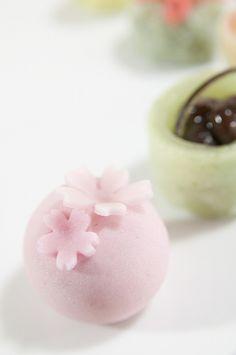 華かざり 左近の桜, たねや, 新宿小田急 by yuichi.sakuraba, via Flickr