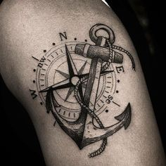 The anchor tattoo means strength, persistence, fortitude, safe harbor. Choose your favorite images between 90 and eternize this skin! Anchor Tattoo Meaning, Anchor Compass Tattoo, Anchor Tattoo Design, Compass Tattoo Design, Anchor Tattoos For Men, Pirate Compass Tattoo, Badass Tattoos, New Tattoos, Tatoos