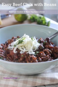 Beef chili made with beans is a quick and easy chili recipe that can be made in top of the stove in an hour and 30 minutes in a pressure cooker. Bean Recipes, Chili Recipes, Lunch Recipes, Easy Dinner Recipes, Cooking Recipes, Lamb Recipes, Free Recipes, Soup Recipes, Spicy Recipes