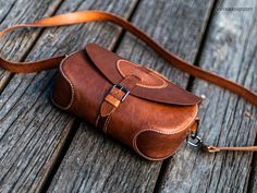 Whiskey Leather Bag PDF Pattern. Cross Bag Saddle Bag   Etsy Leather Purses, Leather Handbags, Chris Jordan, Leather Working Patterns, Leather Wallet Pattern, Mulberry Bag, Bag Pattern Free, Leather Bags Handmade, Leather Projects