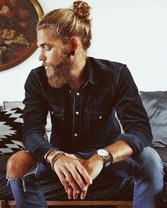 Ben Dahlhaus News: November 2014 Ben Dahlhaus, Hair And Beard Styles, Long Hair Styles, Classic Mens Hairstyles, Long Hair Beard, Great Beards, Ideal Man, Dapper Gentleman, Male Model