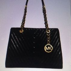 Michael Kors Handbags - Michael Kors Susannah medium tote NWT