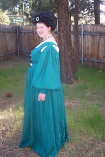 Time Traveling with Needles: 1520s Venetian Ribbon Tied Front dress with Balzo