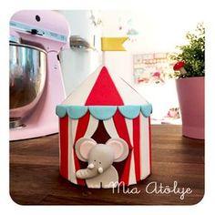 Circus cake topper - Cute elephant