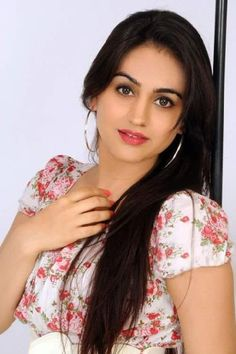 Ishakapoor known for High range Mumbai Escorts Service to fill your night with erotic pleasure. Independent Call Girls in Mumbai Escort Services agency offers you your dream girl to Hotel room within 30 Mintes. Delhi College, Golden Hair, Russian Beauty, Girl Celebrities, Fair Skin, College Girls, Indian Girls, Mumbai, Hot Girls
