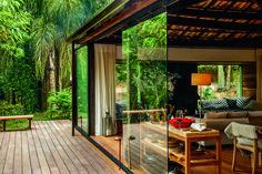"""House design - Conheça a casa """"in natura"""" assinada por Vania Chene Style At Home, Porche Chalet, Home Deco, Exterior Design, Interior And Exterior, Forest House, Tropical Houses, House Goals, Home Fashion"""