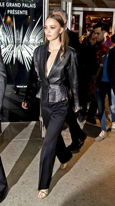 Fashion inspiration, updates and rares Lily Rose Depp Style, Lily Rose Melody Depp, Vanessa Paradis, Celebrity Outfits, Celebrity Style, Lily Depp, Outfit Look, Parisian Style, Aesthetic Fashion