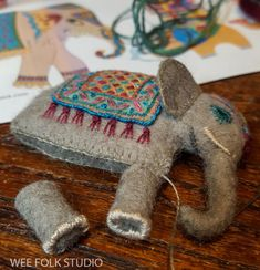 bed book peek: elephant and goldfish Felt Crafts, Fabric Crafts, Sewing Crafts, Felt Owls, Felt Birds, Fabric Animals, Felt Animals, Needle Felted Animals, Needle Felting