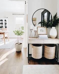 Home Living Room, Apartment Living, Living Room Designs, Living Room Decor, Living Room Inspiration, Home Decor Inspiration, Decor Ideas, Home Entrance Decor, Home Interior Design
