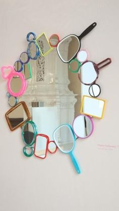 Love this mirror(s)! This would be fun in a teen or pre-teen's bedroom or bath!
