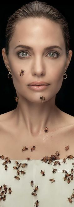 Queen Bees, Angelina Jolie, Honey, Fan, Stylish, Celebrities, Pictures, Celebs, Hand Fan