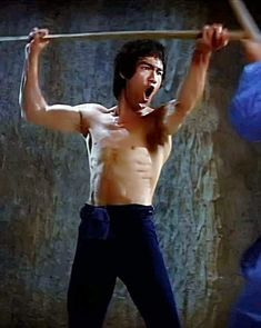Bob Marley, Eminem, Bruce Lee Kung Fu, Bruce Lee Martial Arts, Kung Fu Movies, Bruce Lee Quotes, People Poses, Enter The Dragon, Fantasy Art Women