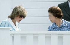 In den 1980er- und 1990er-Jahren bekam die Queen Konkurrenz. Ihre Schwiegertochter Diana.