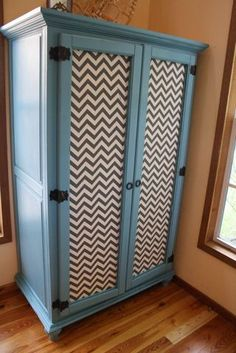 Painted Armoire DIY Armoire Redo, Painted Armoire, Distressed Furniture Painting, Painted Furniture, Cool Diy Projects, Home Projects, Upcycled Furniture, Home Furniture, Clothing Armoire