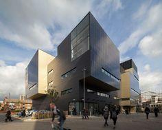 University Square Stratford Architects: Make Architects Location: Malet Street, London, UK Year: 2013 Photographs: Simon Kennedy, Courtesy of Make Architects