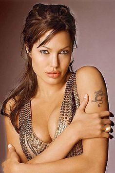 Angelina Jolie Buys Brad Pitt a Heart-Shaped Island for his Birthday .