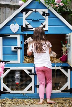 Rabbit hutch- Three levels allows plenty of space for bun bun to move around and multiple doors make for easier cleaning. Rabbit hutch- Three levels allows plenty of space for bun bun to move around and. Thuy Unbehauen hairkunst For the Home Rabb Bunny Cages, Rabbit Cages, House Rabbit, Meat Rabbits, Raising Rabbits, Double Rabbit Hutch, Rabbit Hutch Plans, Bunny Room, Bunny Hutch