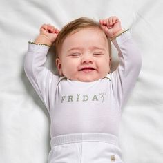 """Har fredagskänslan infunnit sig än? Vi firar att det är fredag med en urgullig bild från Livly! Kram på er och ha en underbar dag! #babyshopse #friday #greatmood #livly"" Photo taken by @babyshopse on Instagram, pinned via the InstaPin iOS App! http://www.instapinapp.com (11/20/2015)"