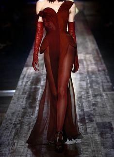 An amazing red dress design - Red Dresses - Ideas of Red Dresses Haute Couture Style, Couture Mode, Couture Fashion, Runway Fashion, Womens Fashion, Look Fashion, High Fashion, Fashion Show, Fashion Outfits