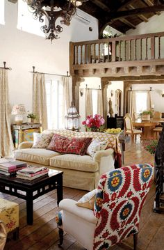 BEAUTIFUL INTERIOR, very rustic, charming and upbeat.