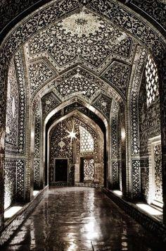 Sheikh Lutfollah Mosque, Isfahan, Iran   #holidayspots4u