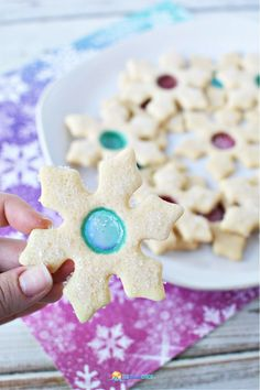 These Christmas Snowflake Stained Glass Cookies are really tasty and fun! #christmascookies #christmasrecipe Holiday Snacks, Holiday Cookies, Christmas Desserts, Holiday Recipes, Christmas Recipes, Christmas Ideas, Best Dessert Recipes, Cookie Recipes, Delicious Desserts