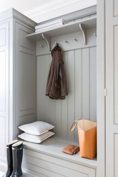 Chic gray mudroom features a gray built-in bench accented with gray wainscoting and beadboard trim lined with an overhead shelf and corbels Chic gray… – Mudroom Laundry Room Design, Kitchen Design, Boot Room Utility, Hallway Storage, Style Deco, Handmade Kitchens, Built In Bench, Bench Seat, Family Kitchen