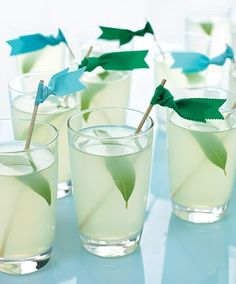 Pear-Lemon Fizz, I want some alcoholic and Non-alcoholic drinks. Maybe cocktails and mocktails in pairs with different glasses.